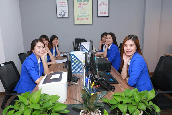 Việt Uy Tín cung cấp dịch vụ gia hạn giấy phép lao động cho người nước ngoàiViệt Uy Tín cung cấp dịch vụ gia hạn giấy phép lao động cho người nước ngoài