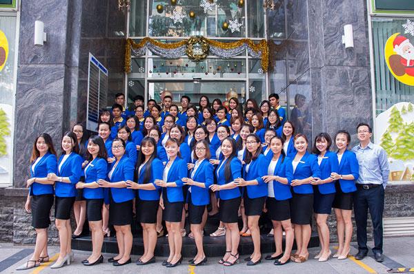 Việt Uy Tín với hơn 10 năm kinh nghiệm xin thẻ tạm trú cho người nước ngoài