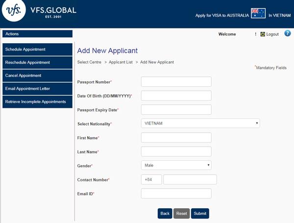 Click Add Applicant để thêm thông tin người đăng ký