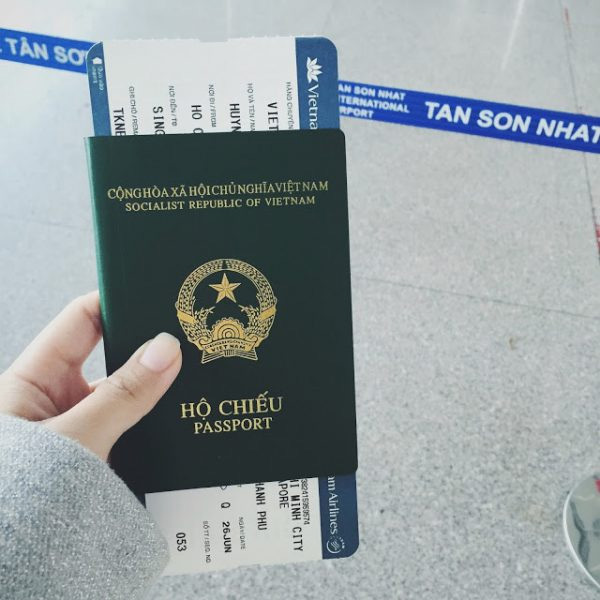 Hãy mua vé máy bay khứ hồi để tăng độ tin cậy cho hồ sơ