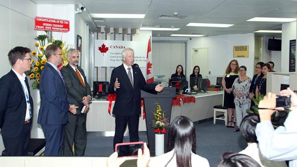 VFS thực hiện toàn bộ thủ tục xin visa Canada tại Việt Nam