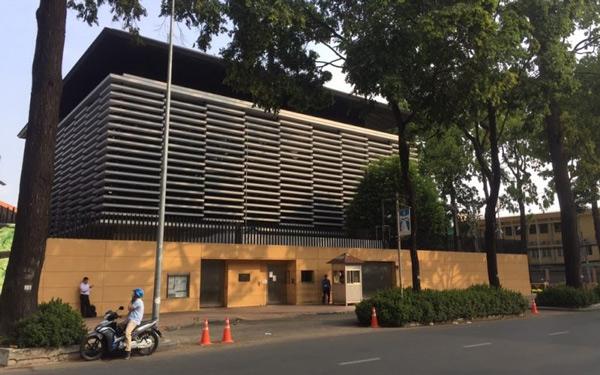 Tổng lãnh sự quán Nhật nằm tại 261 Điện Biên Phủ, Phường 7, Quận 3