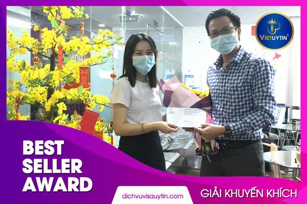 Chị Trịnh Ánh Hằng suốt nhiều tháng liền góp mặt trong giải Best Seller của công ty